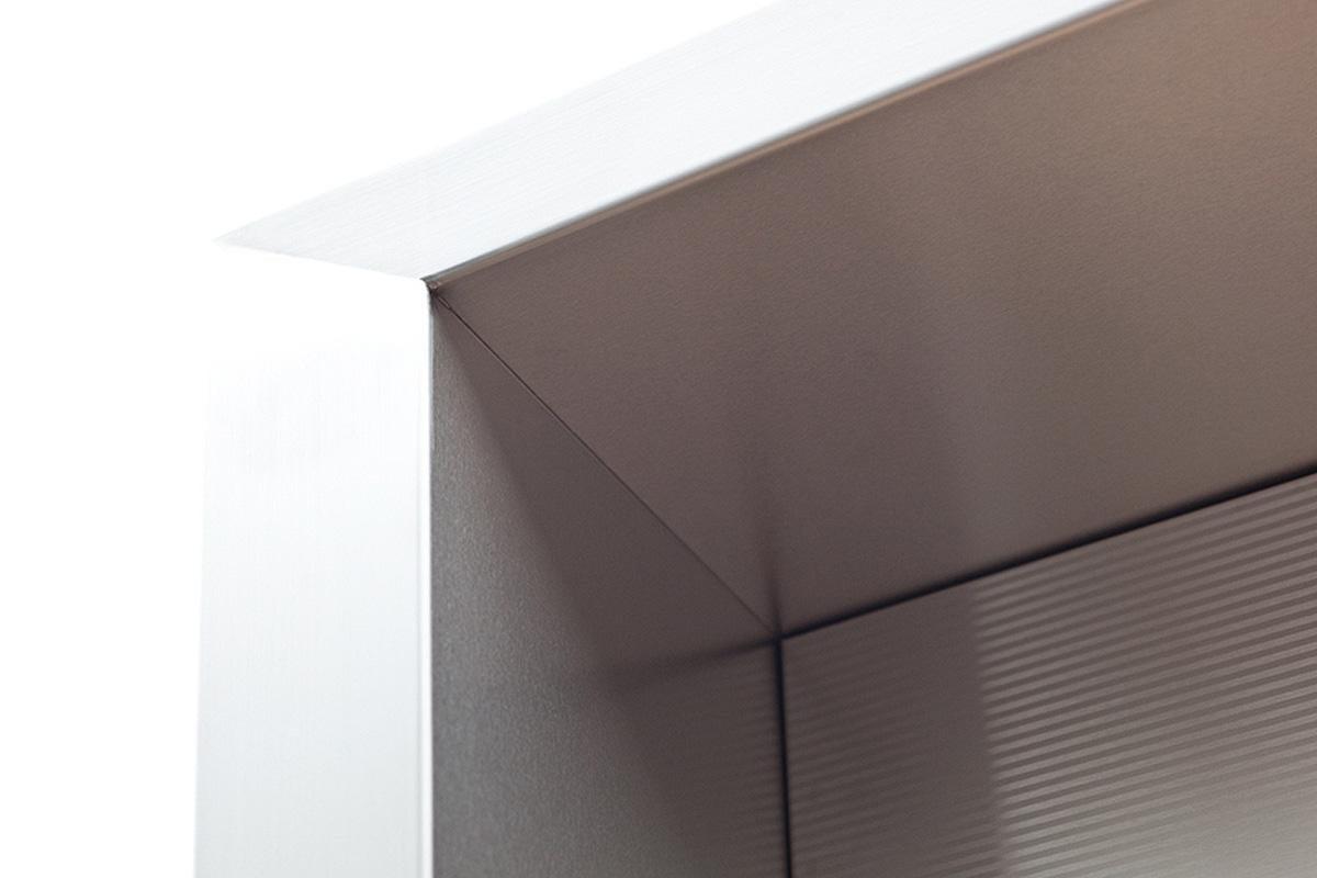 примеры облицовки лифтовых порталов - дверь