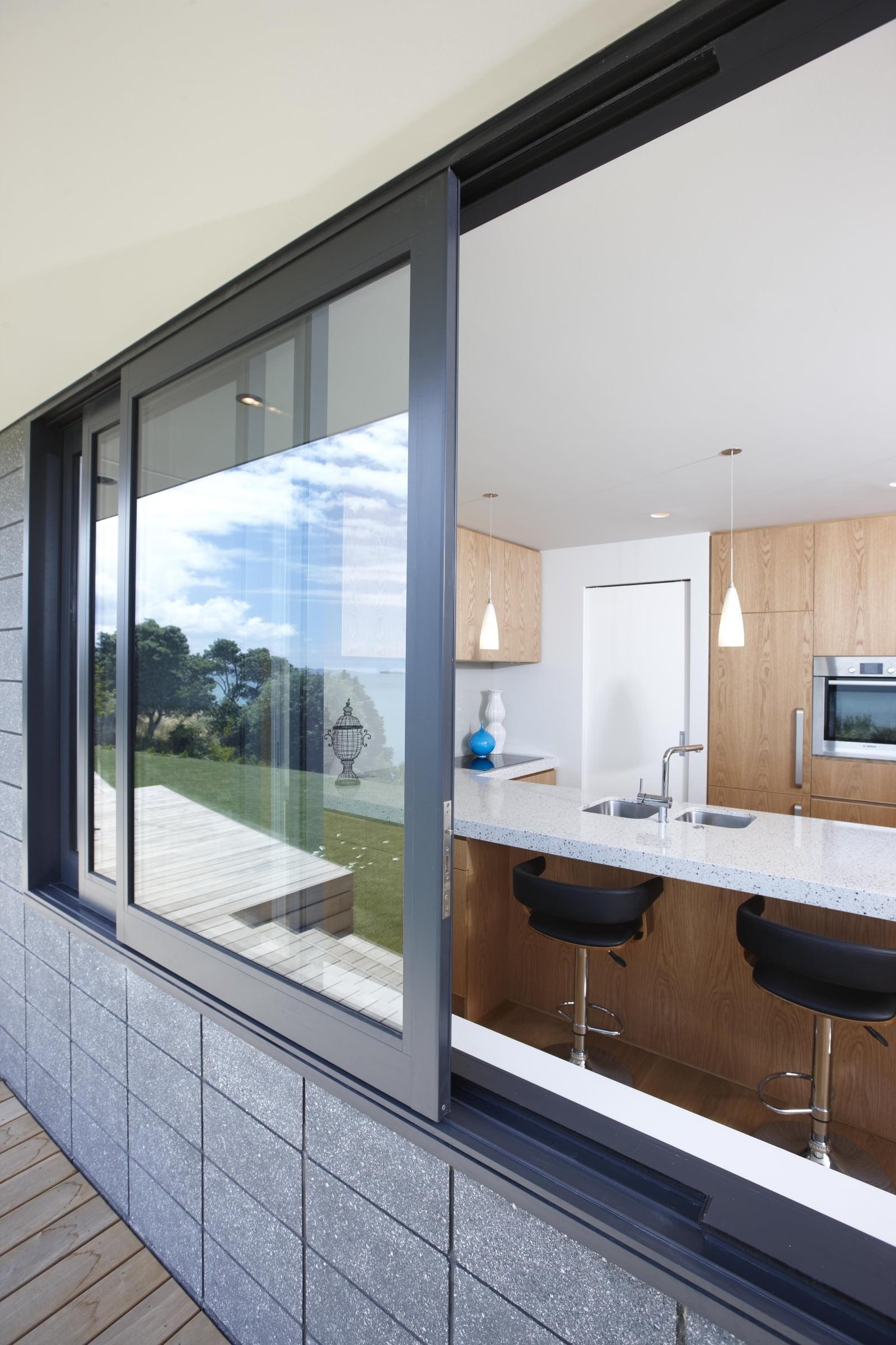 Алюминиевые раздвижные окна5